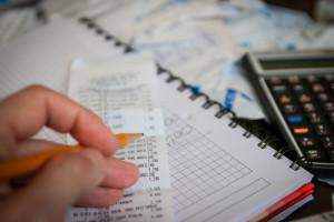 oszustwa finansowe na seniorach