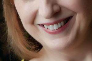 zdrowy uśmiech seniora